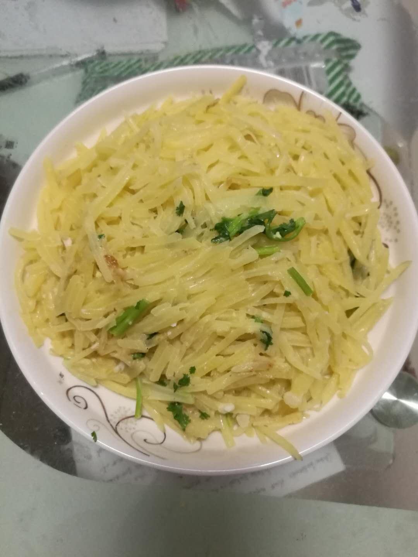 鸭蛋黄炒土豆丝