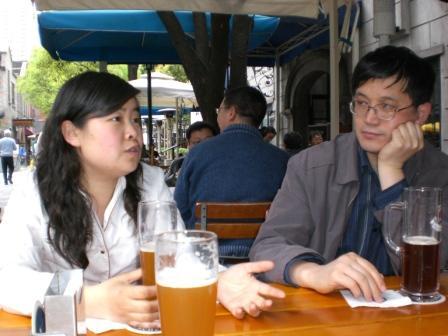 2008年4月上海大耳朵兔 许老师.jpg