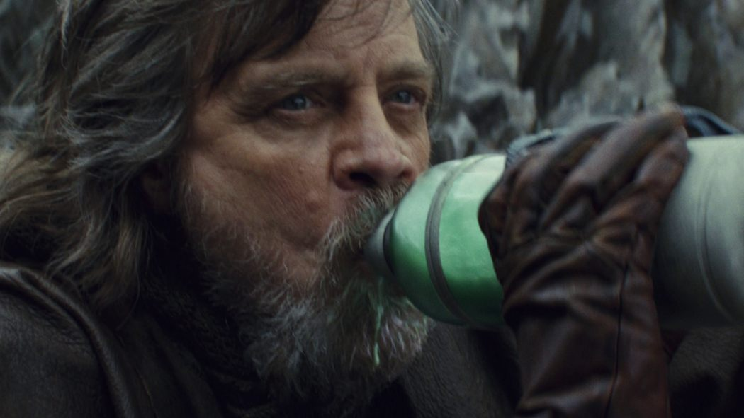 luke_green_milk_last_jedi_1050_591_81_s_c1.jpg